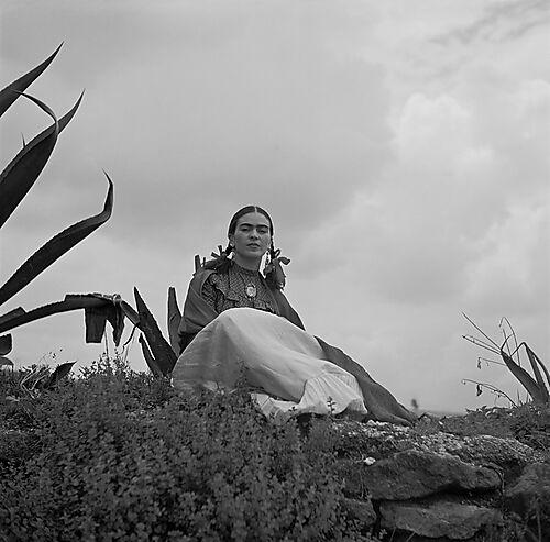 Fotografie: Frida Kahlo, von Toni Frissell für Vogue