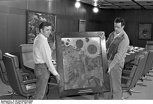 Noldes Hohe Sonnenblumen als Leihgabe der Bayerischen Staatsgemäldesammlungen