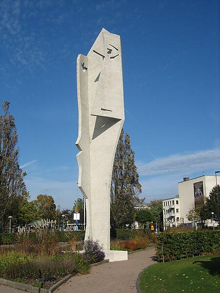 Pablo Picasso, Der Frauenkopf, Skulptur in Halmstad, Schweden