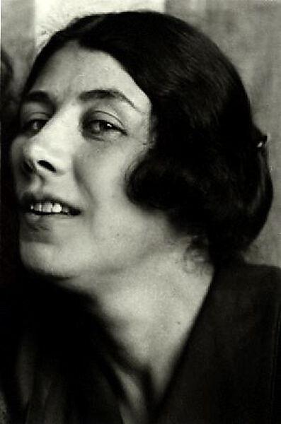 Fotografie, Ljubow Sergejewna Popowa (russische Malerin im Stil des Kubofuturismus und des Konstruktivismus, 1889 - 1924), Portrait