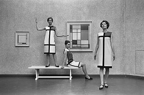 Fotografie, Mondrian-Kleider von Yves Saint Laurent