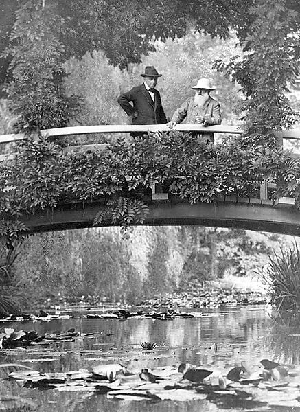 Fotografie: Claude Monet in seinem Garten