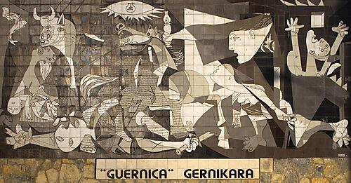 Nachbildung von Picassos Guernica in Form von Kacheln als Wandbild in Originalgröße in der Stadt Gernika